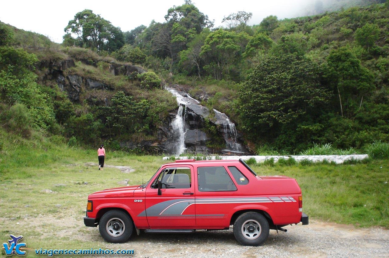 Cachoeira na estrada Cunha Paraty