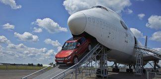 De carro ou avião