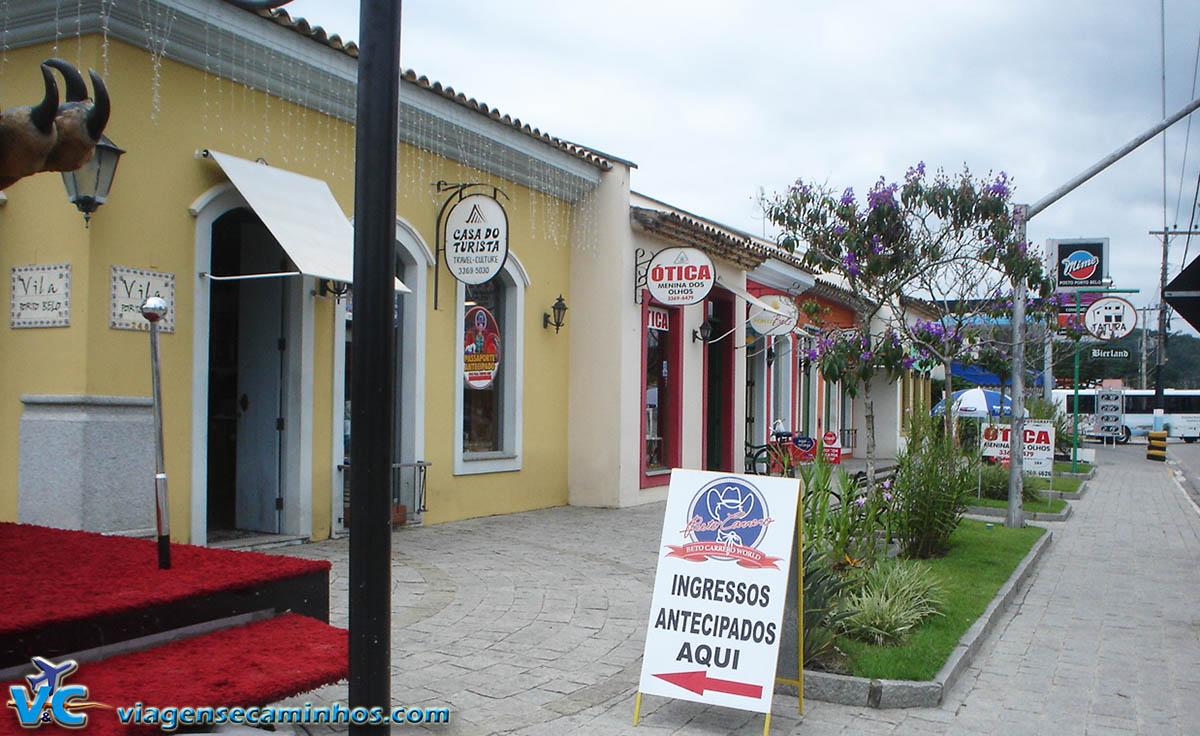 Lojinhas no centro de Porto Belo
