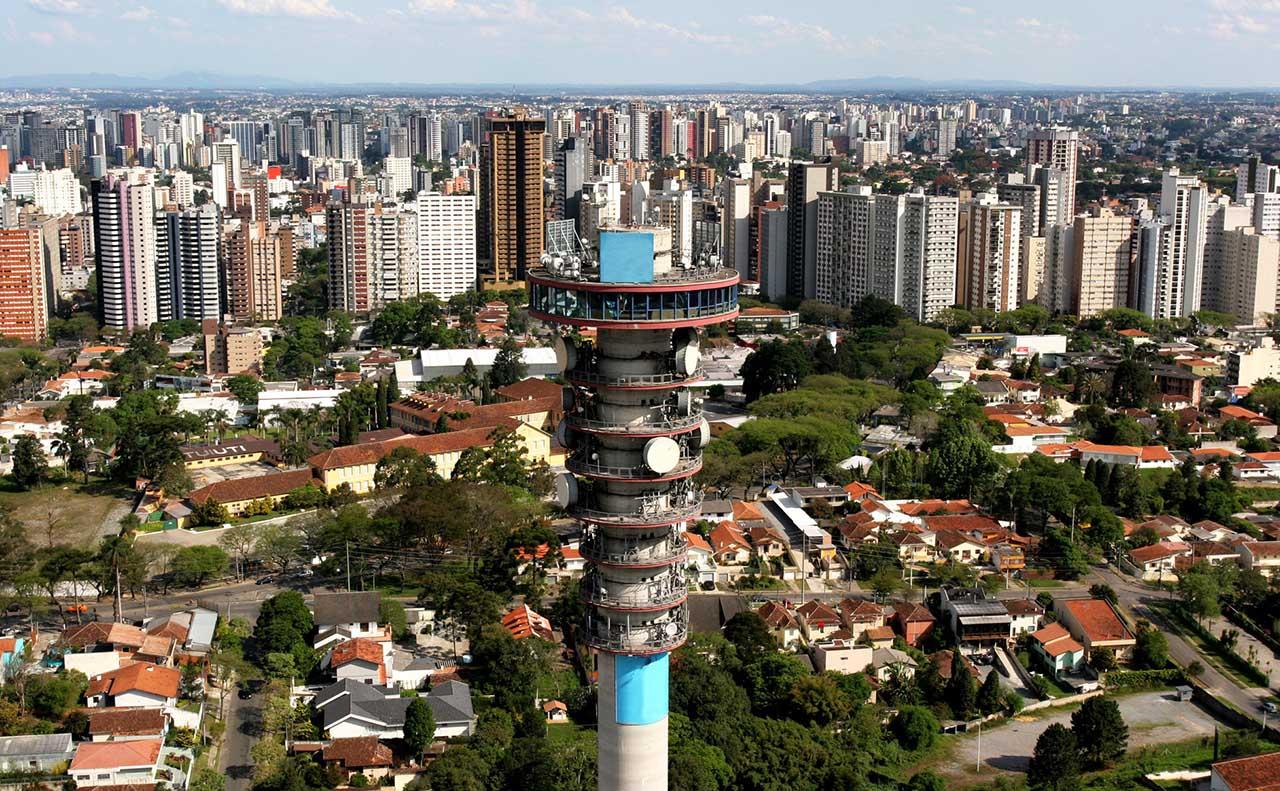 Vista aérea da Torre panorâmica de Curitiba
