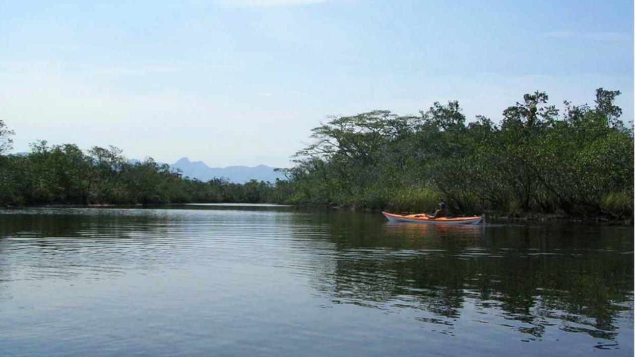 Bertioga - Passeio de canoa