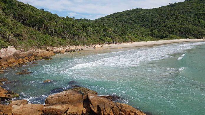 Praia do Sissial - Governador Celso Ramos - SC