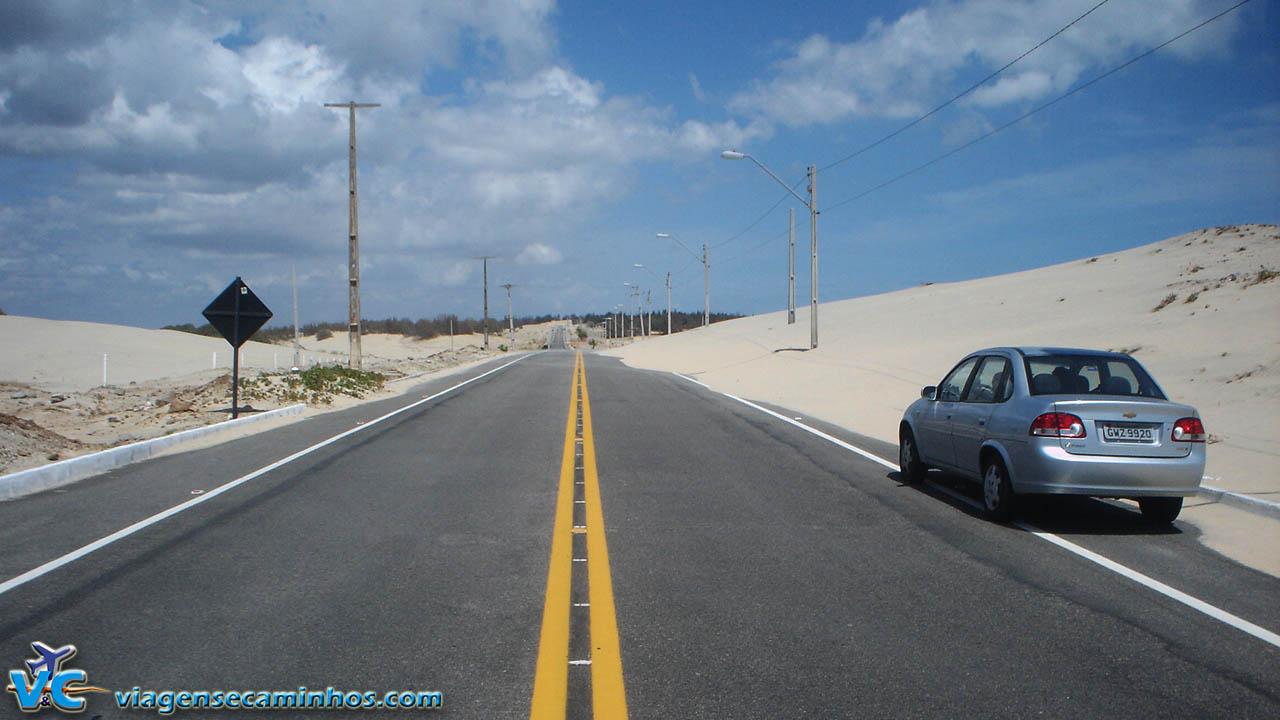 Estrada entre Cumbuco e Barra do Cauípe