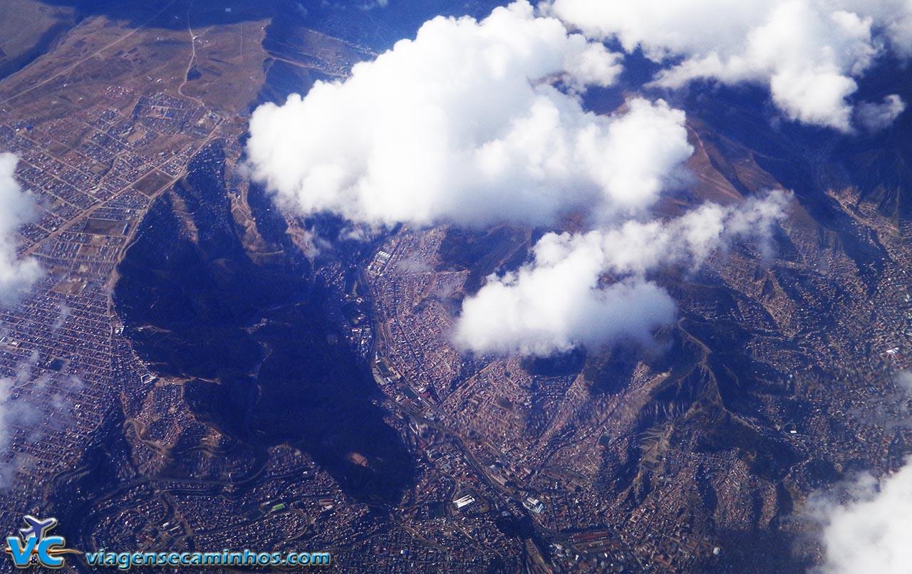 Voo de Lima a São Paulo - vista da cidade de La Paz - Bolívia