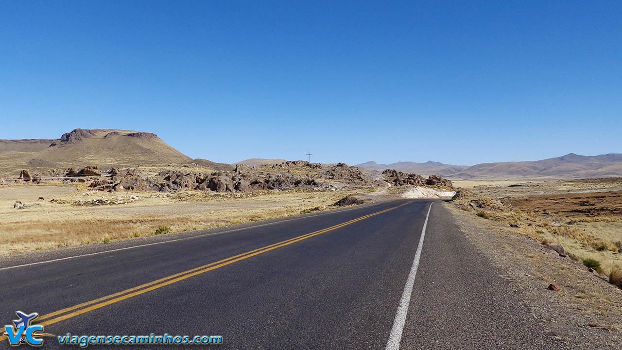 Estrada entre Puno e Moquegua - Peru
