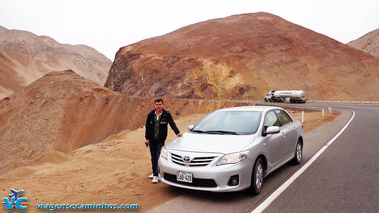 De carro alugado no Peru - Estrada entre Moquegua e Arequipa