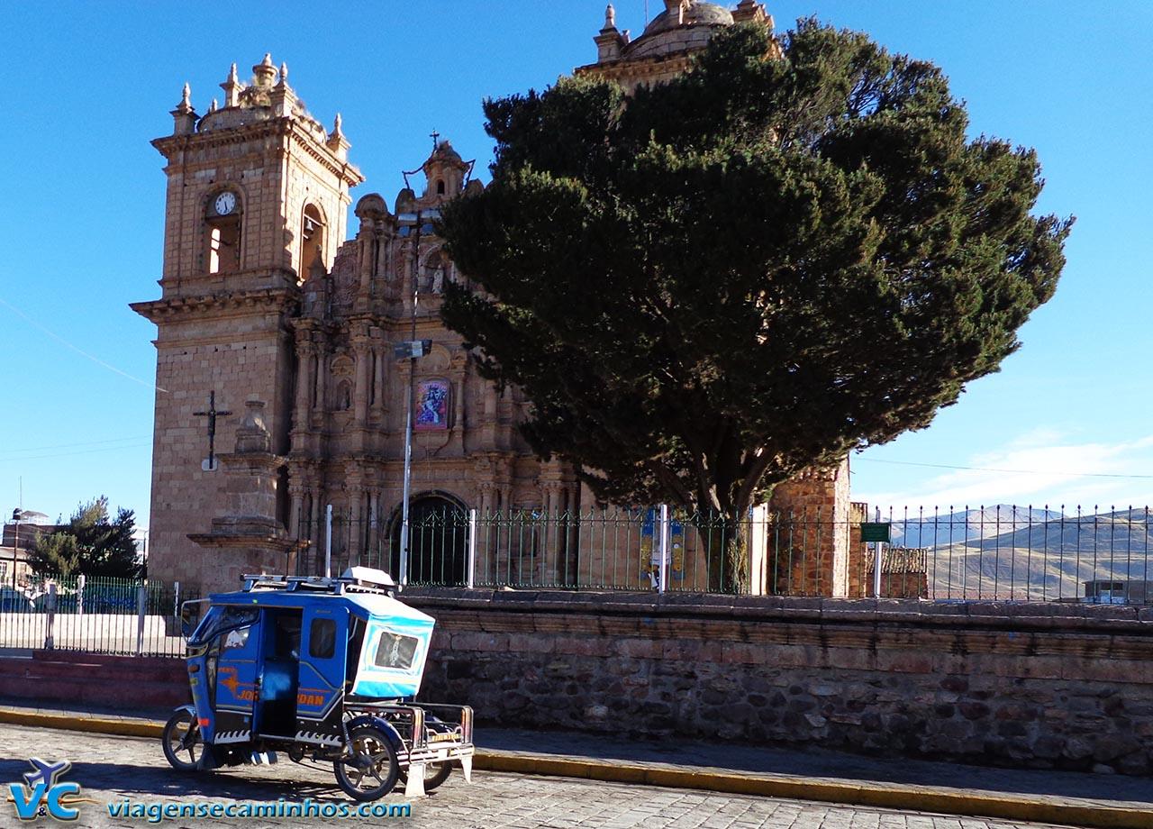 Igreja da cidade de Ayaviri - Peru