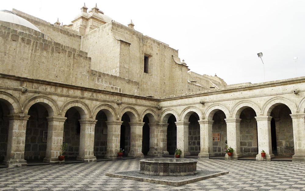 Igreja da Companhia de Jesus - Arequipa