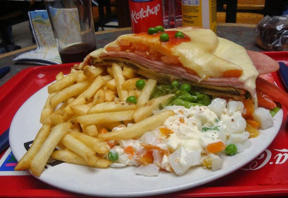 Chivitos - prato típico do Uruguai