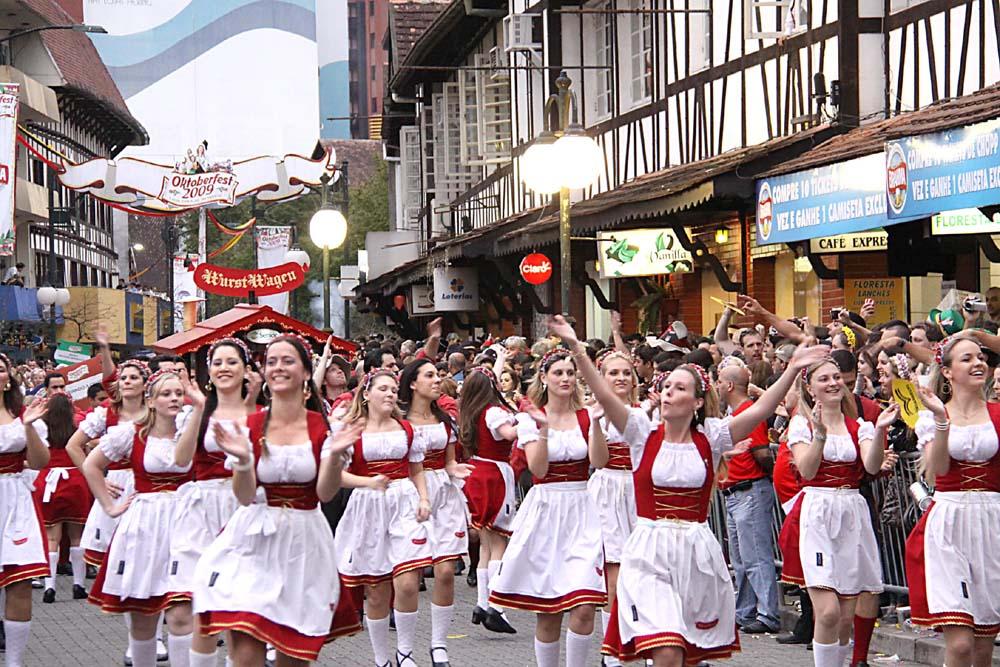 Desfile da Oktoberfest - Blumenau