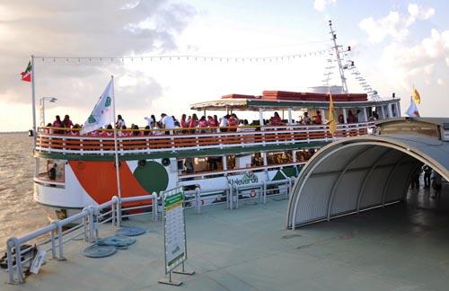 Passeio de barco em Belém