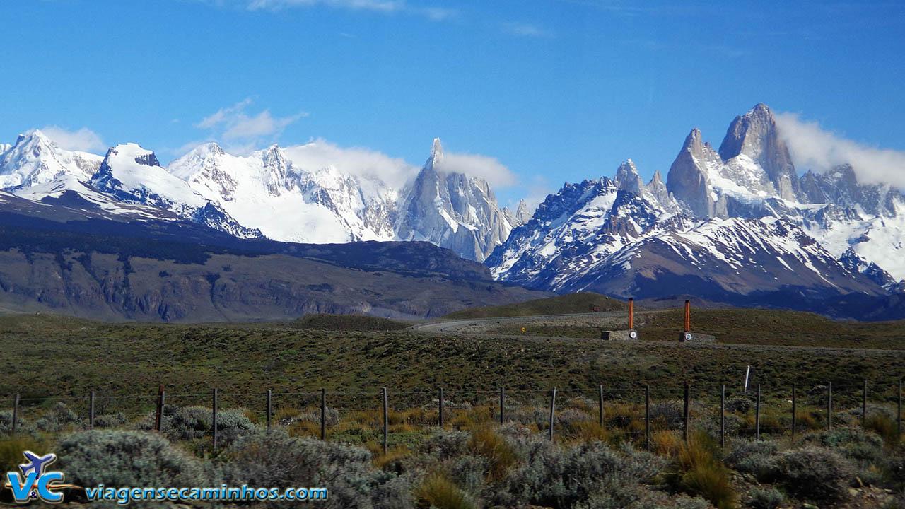 Vista das montanhas de El Chaltén a partir da estrada de acesso