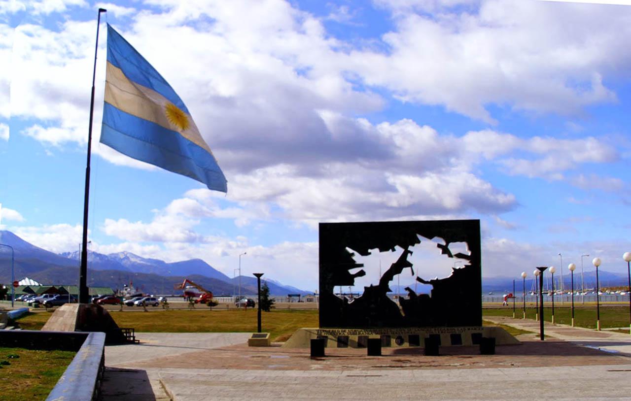 Plaza Isla Malvinas - Ushuaia
