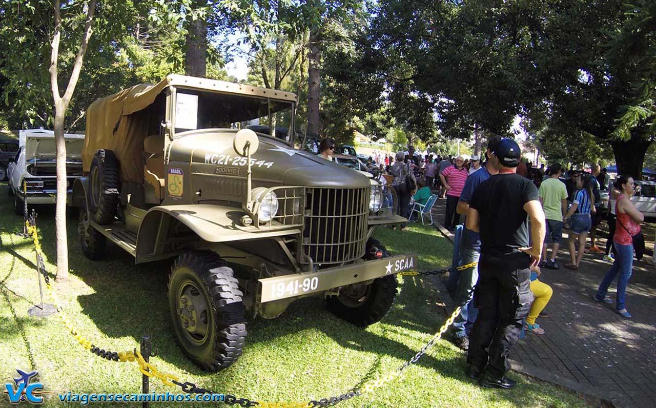 Encontro dos carros antigos de São Marcos
