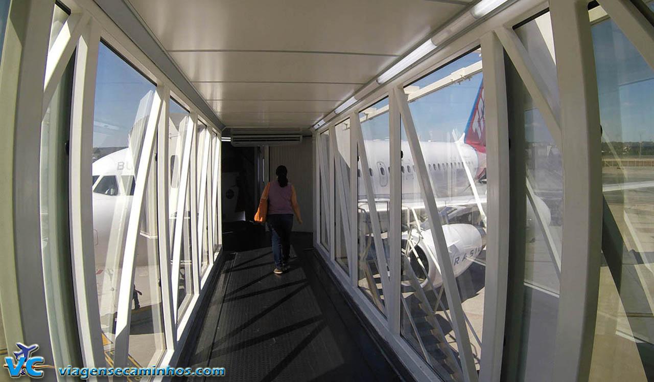 Embarcando avião Tam - Brasília