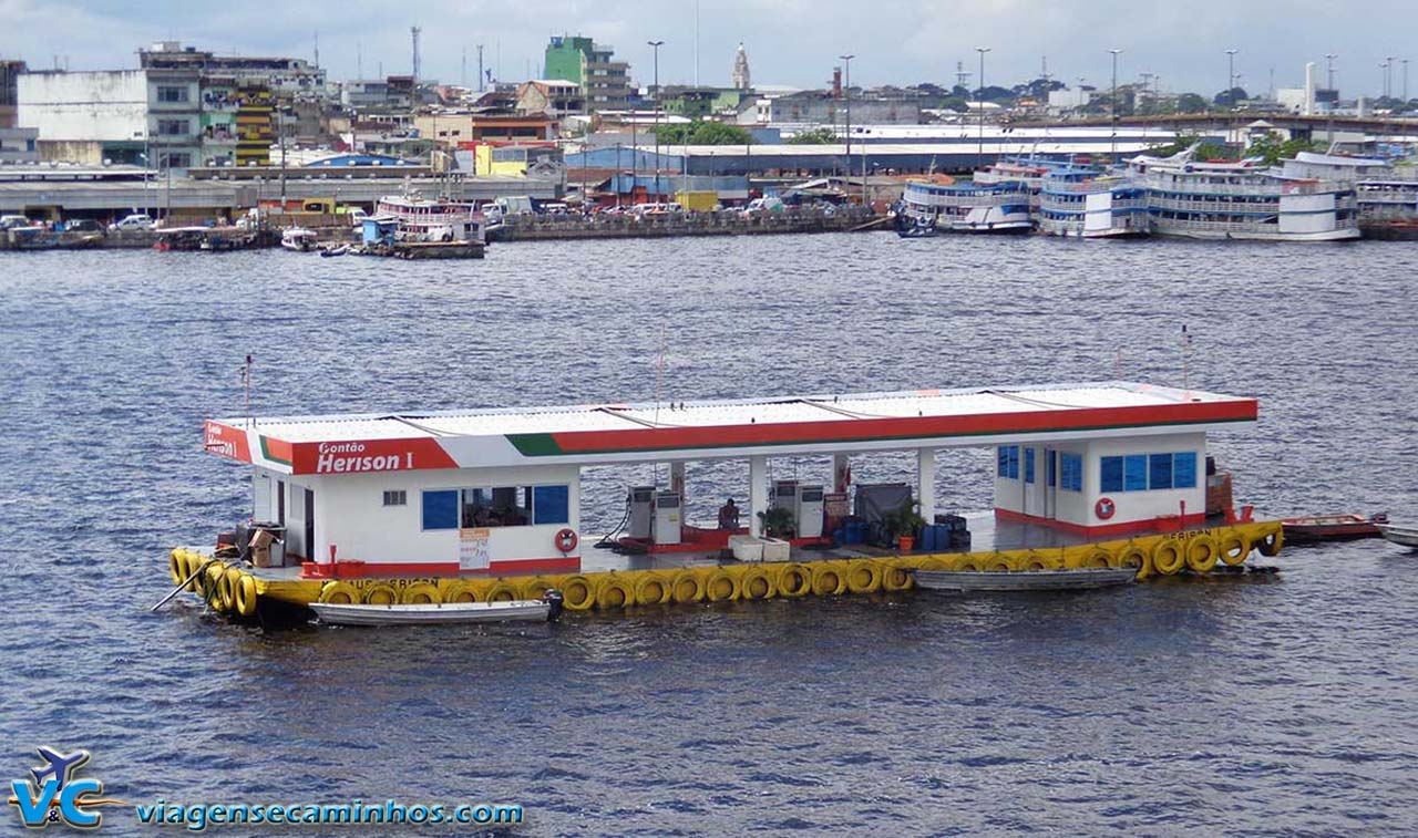 Posto flutuante de Manaus