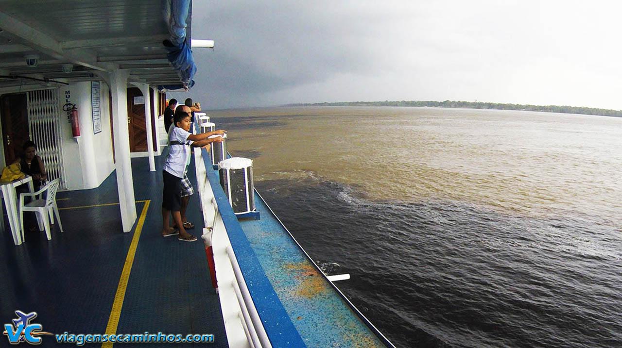 Encontro das Águas - início do Rio Amazonas