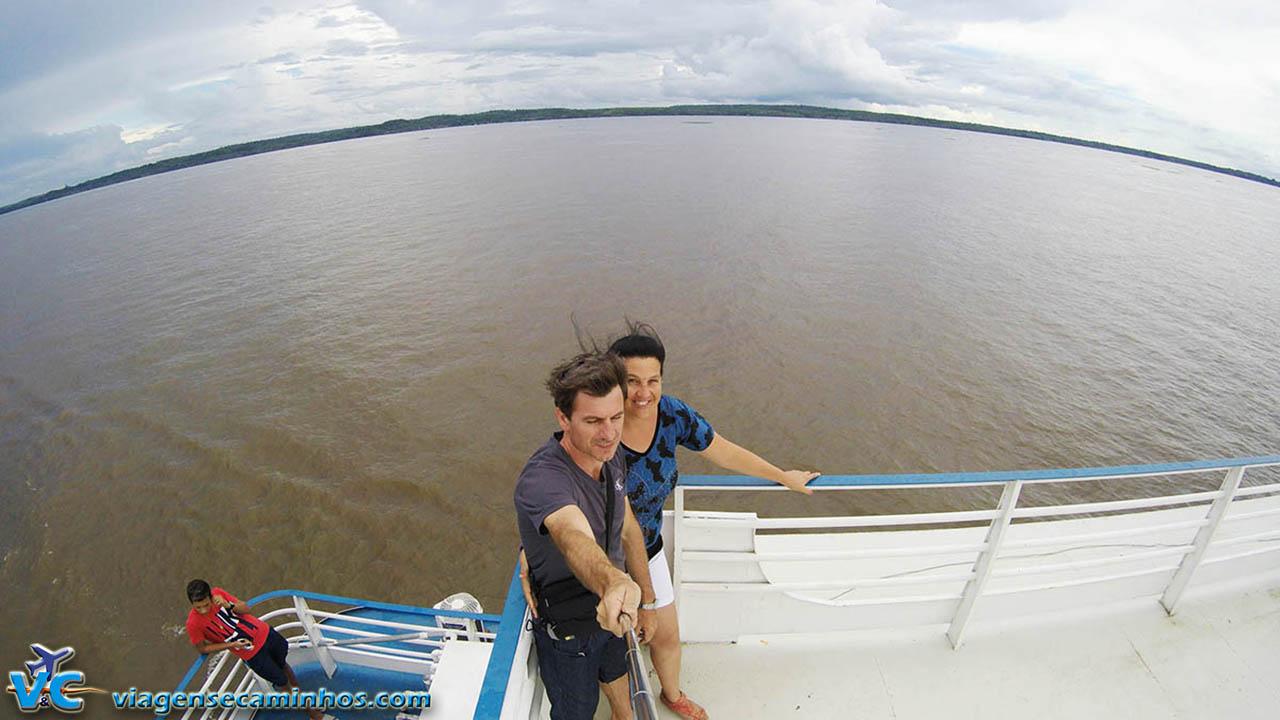 Viagem de barco pelo rio Amazonas
