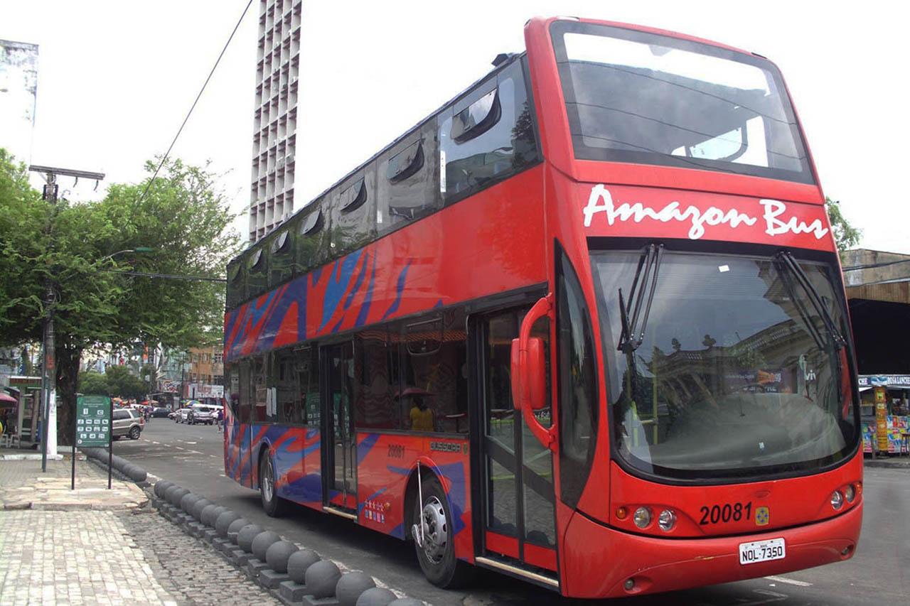 Ônibus turístico de Manaus