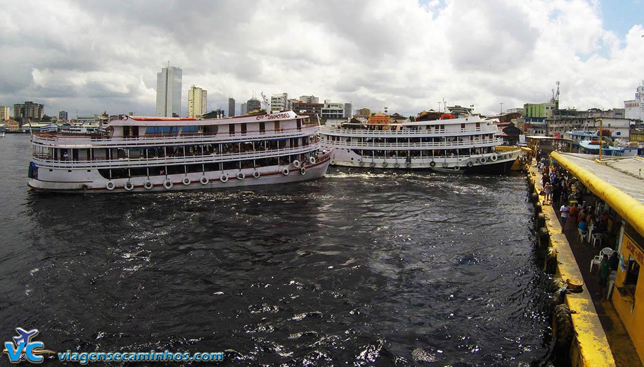 Transporte fluvial em Manaus