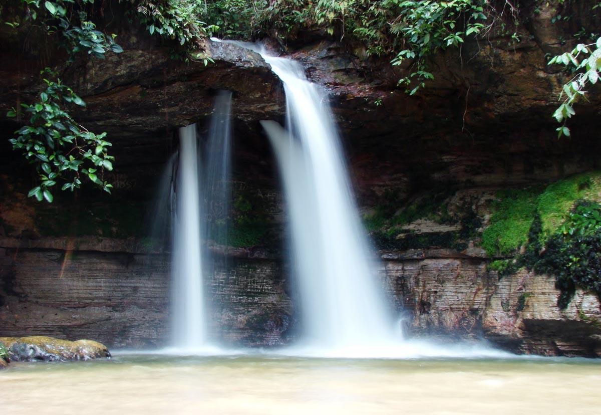 Cachoeira da Pedra Furada - Presidente Figueiredo