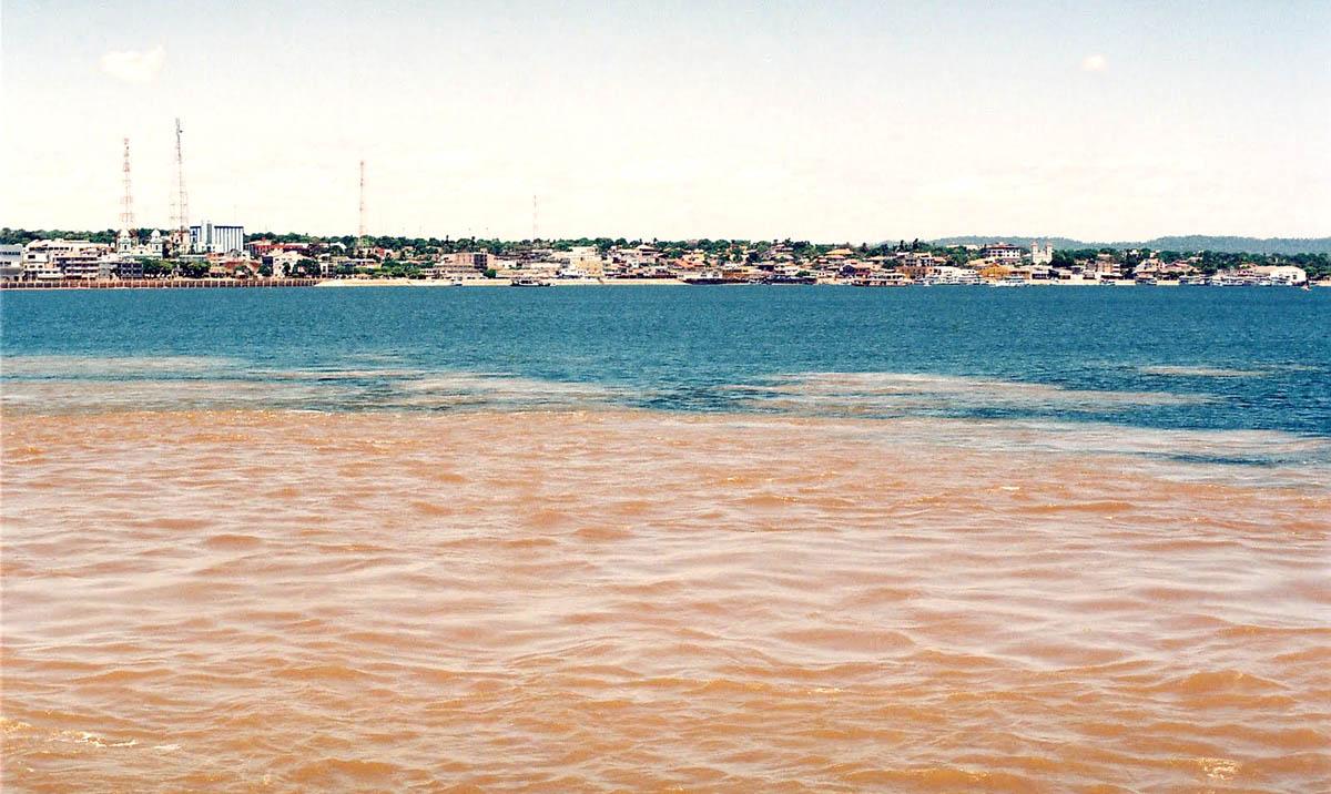 Encontro das Águas do Rio Tapajós com o Rio Amazonas