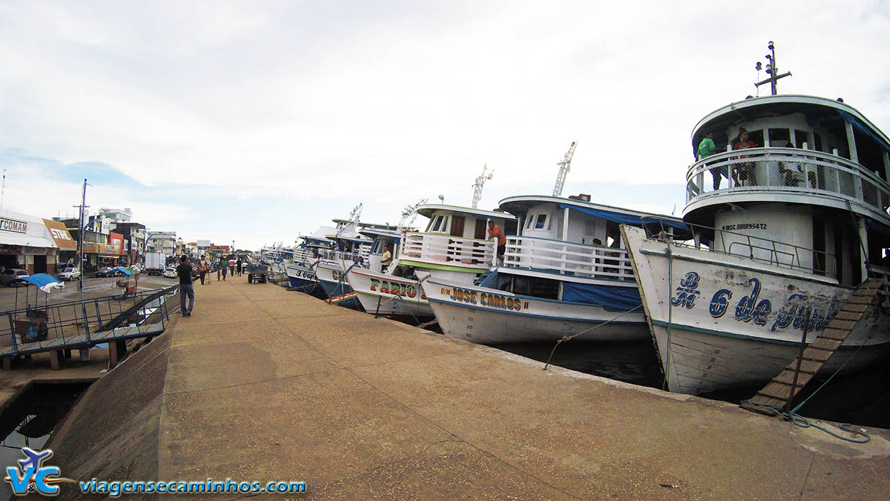 Ponto de embarque dos barcos de linha de Santarém