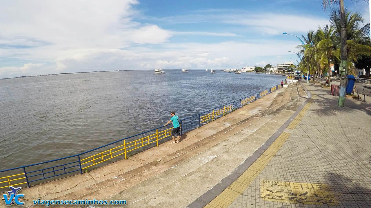 Calçadão na Orla do Rio Tapajós - Santarém - Pará