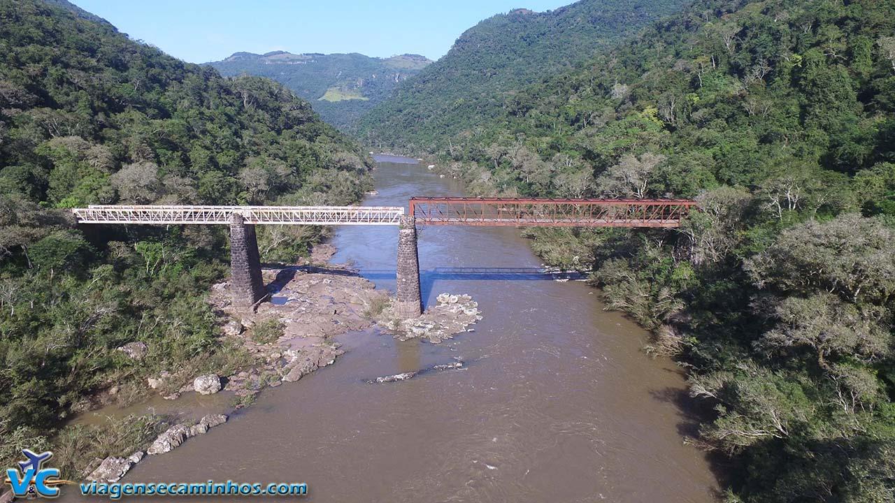 Ponte do Korf - Campestre da Serra (imagem drone Viagens e Caminhos)