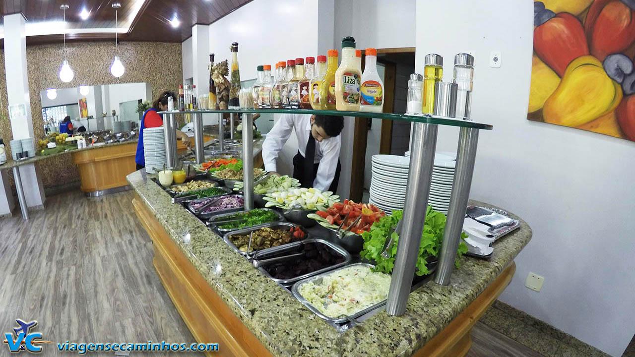 Buffet de almoço do Hotel Balneário