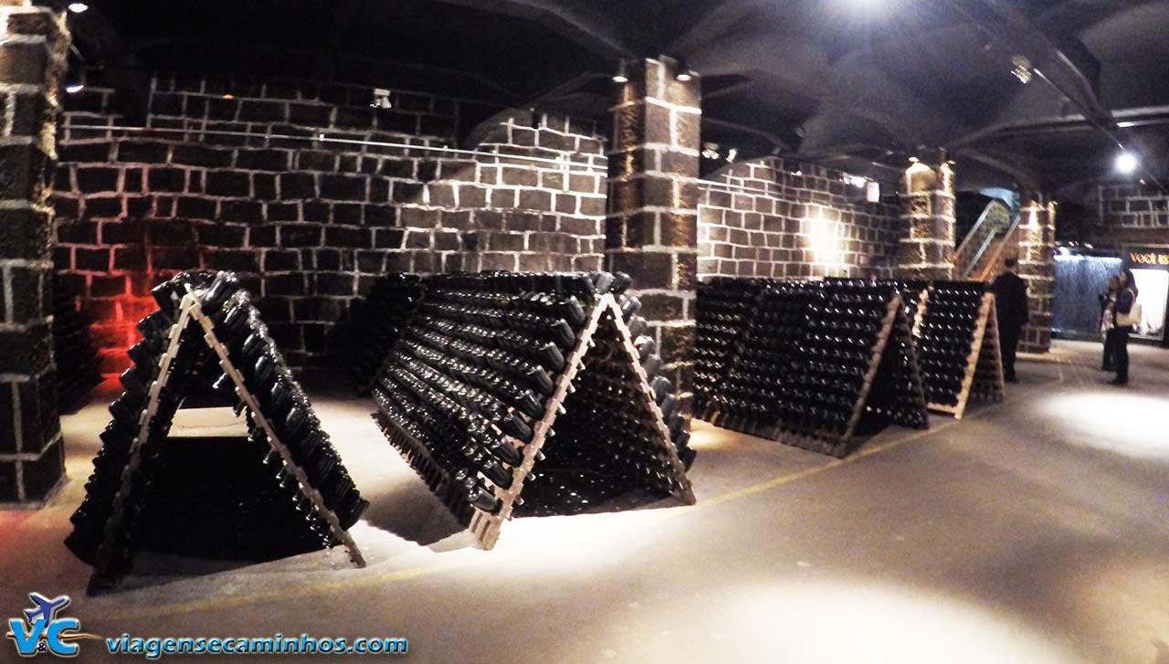 Cave da vinícola Peterlongo