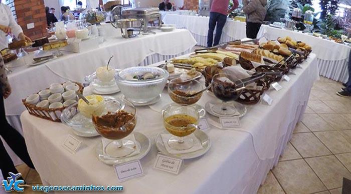 Buffet de café da manhã do Farina Park Hotel