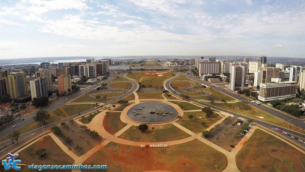 Vista do Eixo Monumental, a partir do mirante da Torre de TV