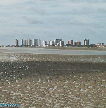 Rio Anil na maré baixa - São Luís do Maranhão