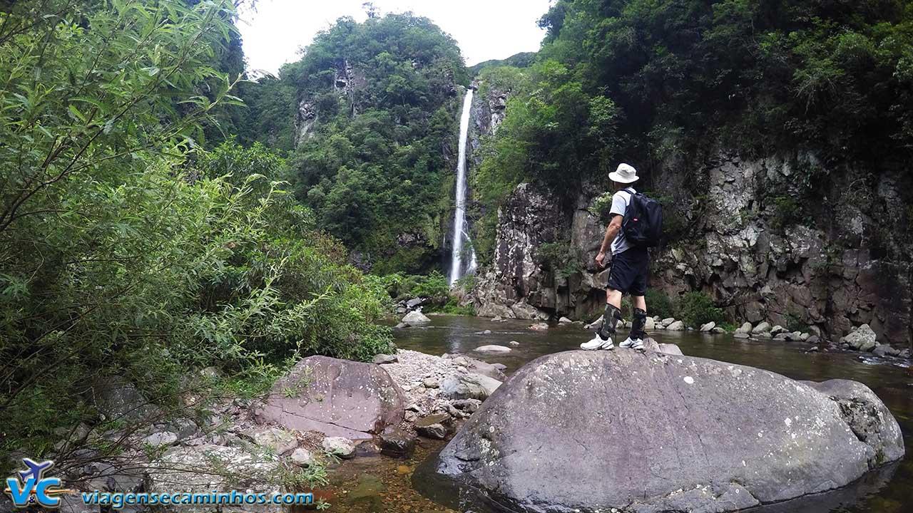 trilha do Rio do Boi e cachoeira Braço Forte