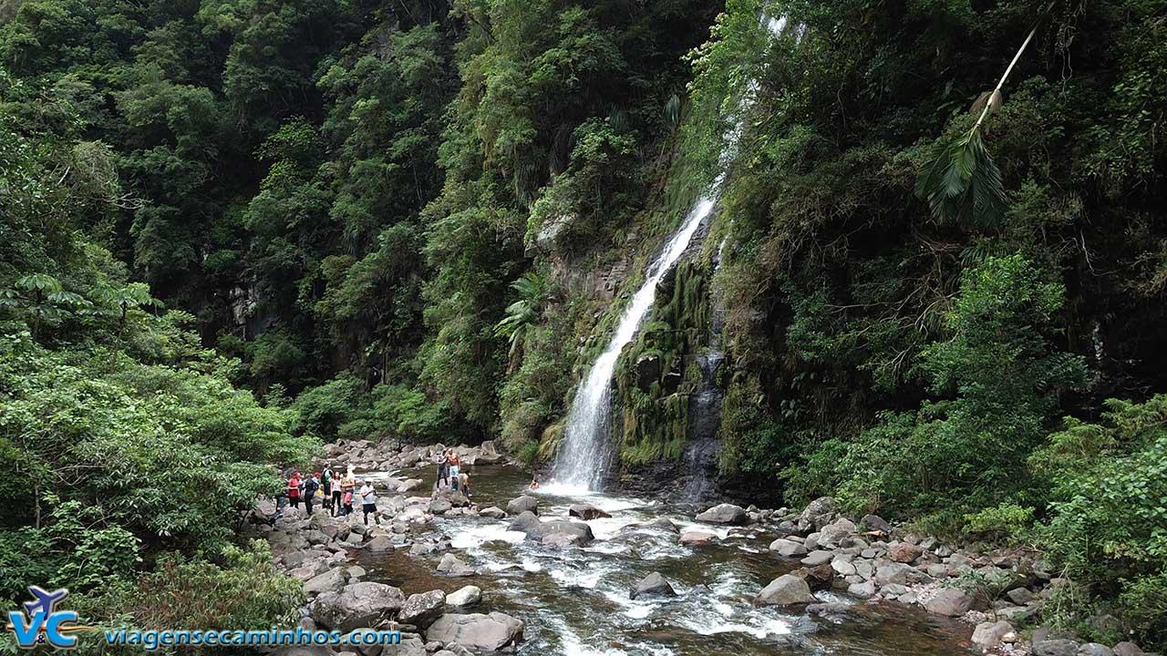 Trilha do Rio do Boi e cachoeira Leite de Moça