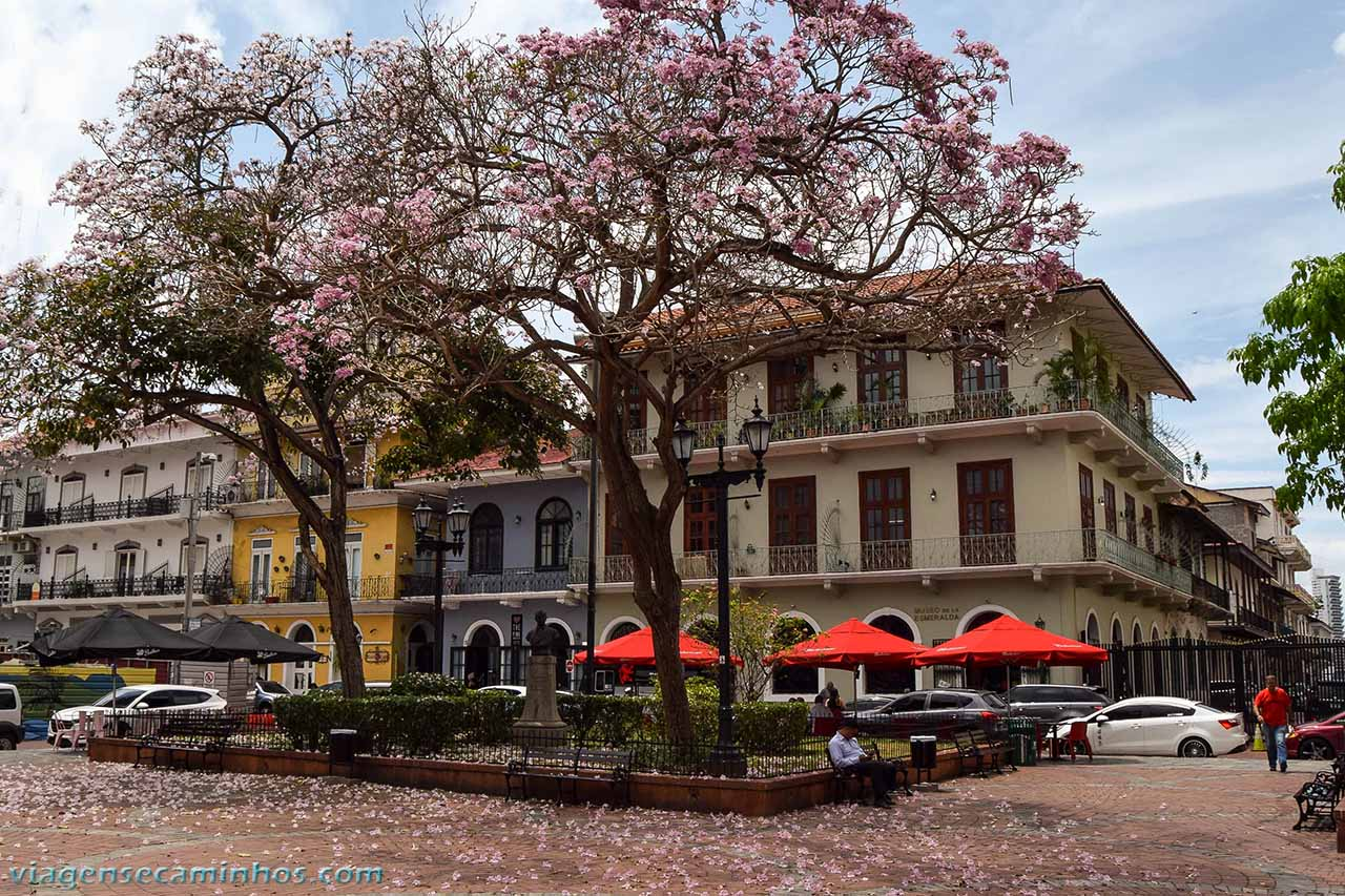 Plaza Independência - Casco Viejo