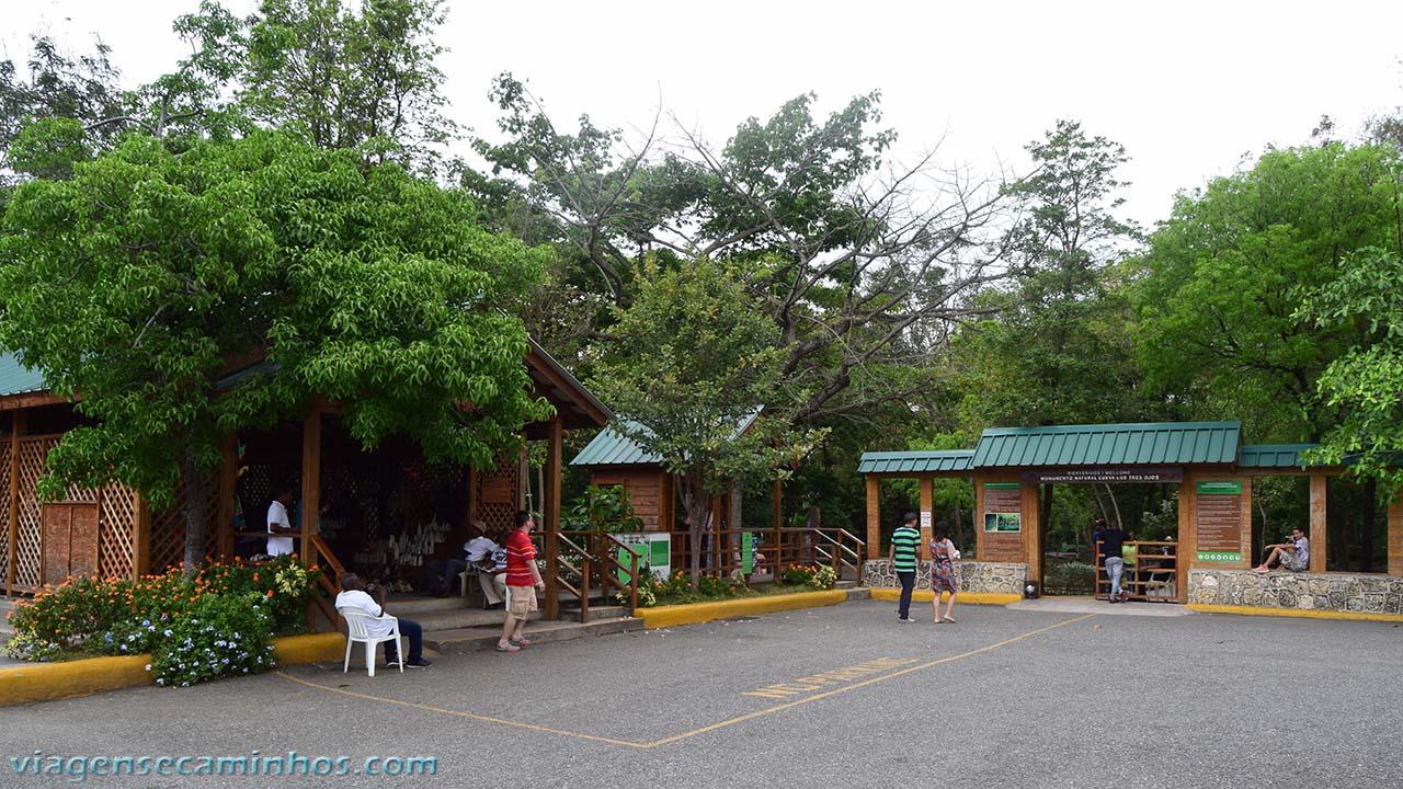 Entrada para o parque Los Tres Ojos - Santo Domingo
