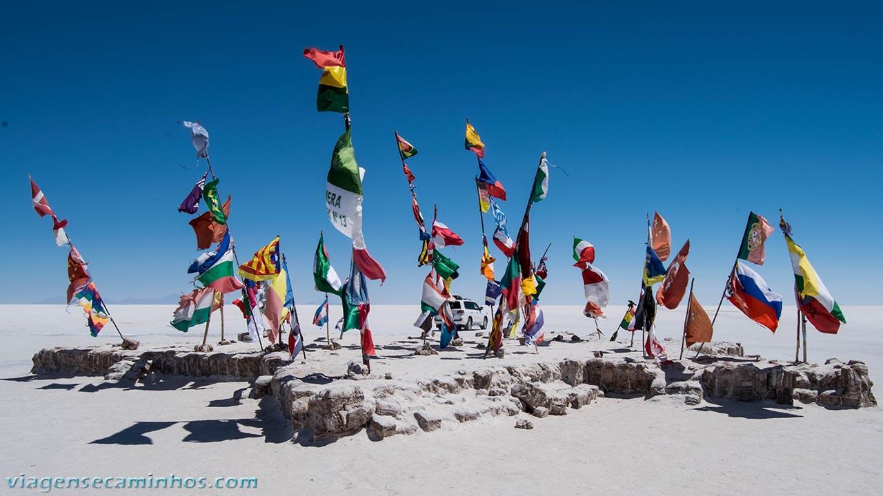 Monumento às Bandeiras - Salar de Uyuni