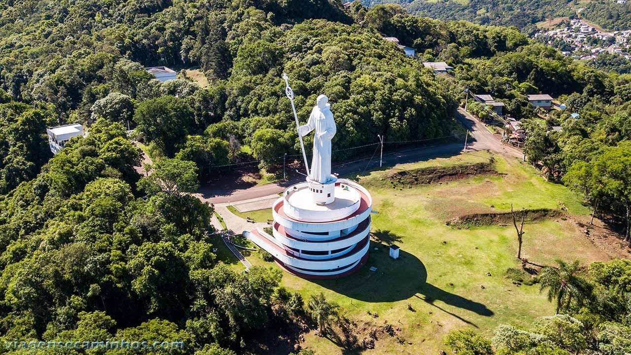 Vista aérea monumento Frei Bruno