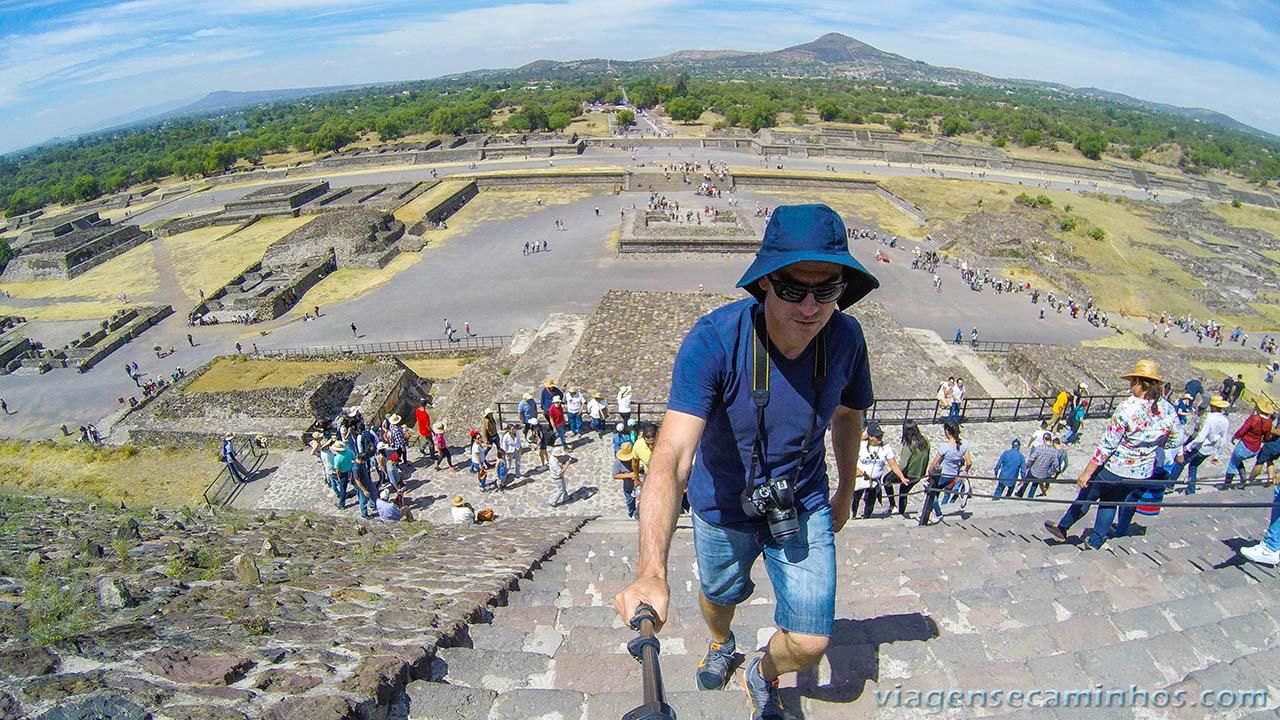 Escadaria da Pirâmide do Sol