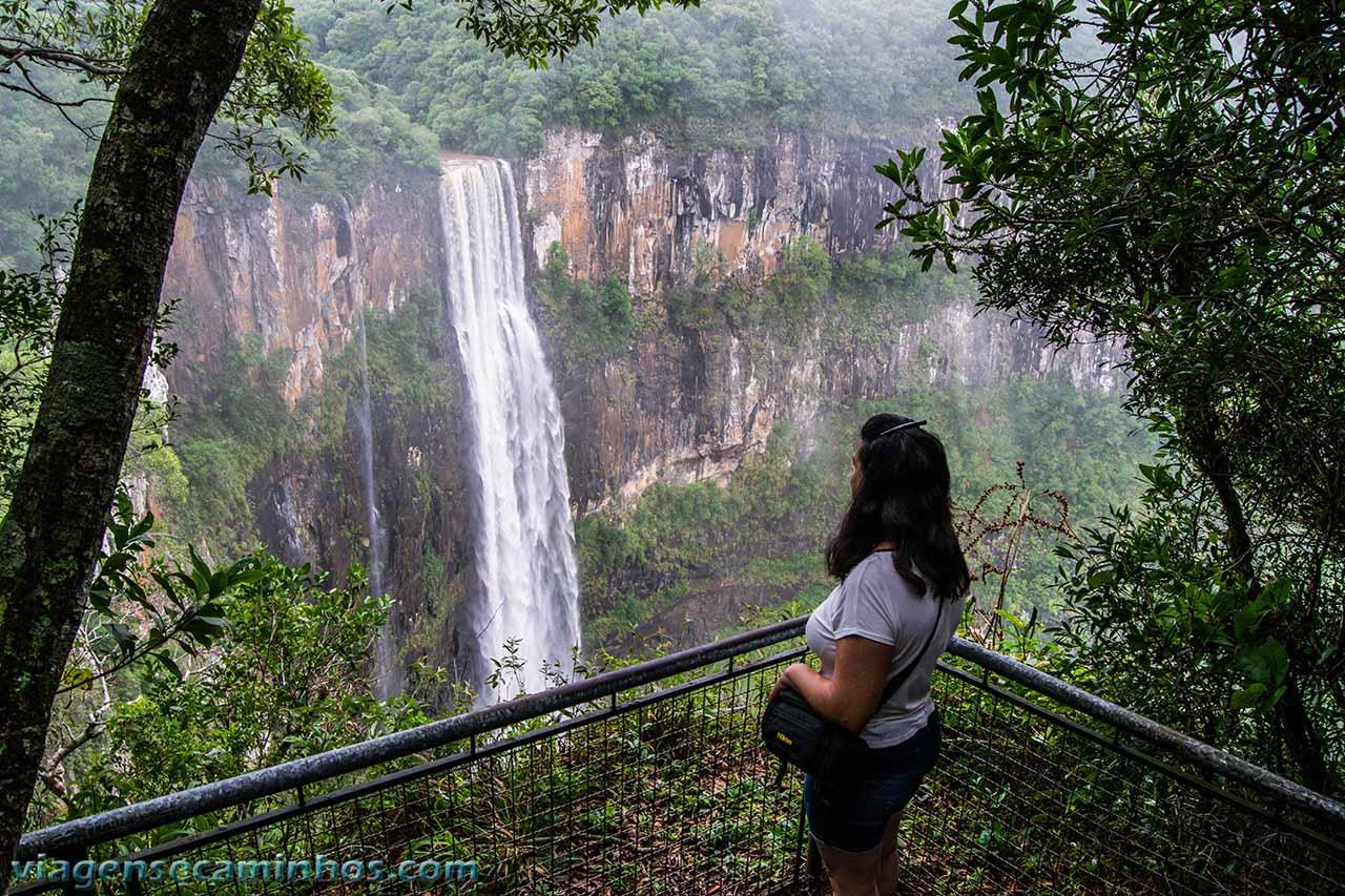 Mirante frontal da cachoeira