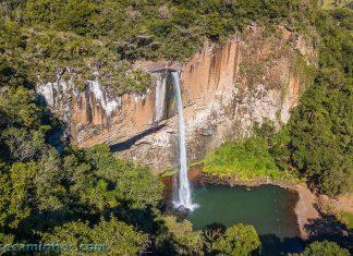 Vista aérea da Cascata do Chuvisqueiro