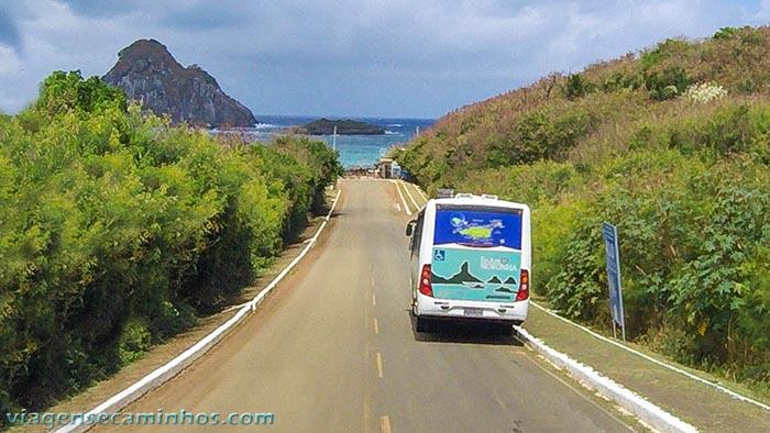 ônibus em Noronha